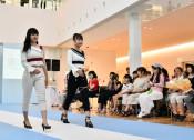 縫製業の元気発信 宮古でファッションショー