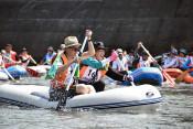 涼風、水しぶき、歓声 盛岡・北上川ボート下り