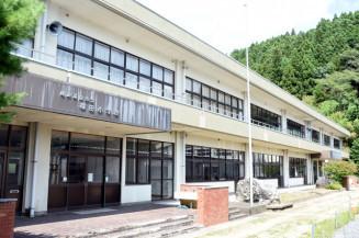民間への払い下げで活用される方向となった旧横田小校舎