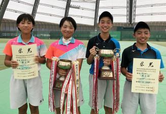 個人で優勝した(左から)女子・北上の高橋心菜、及川咲空、男子・中野の橋場柊一郎、長根新太