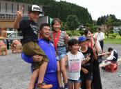 陸上・佐藤選手、地元の激励感謝 横田地区で応援する会