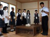 山村留学へ夢広げ 葛巻高入学、地元で町教委説明会