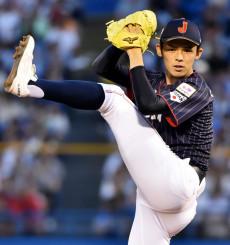 大学日本代表戦に先発し、1回無失点に抑えた高校日本代表の佐々木朗希=26日、東京・神宮球場
