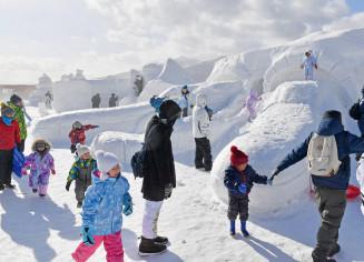 2月に開催された前回のいわて雪まつり。岩手高原スノーパークを主会場とした広域開催を継続する