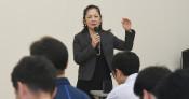 キャリア教育一新 久慈市、10月に企業集い出前授業
