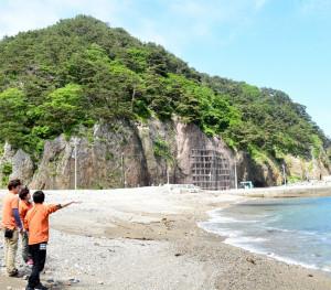 海水浴場、村に復活