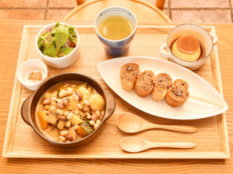 宮沢賢治の童話「祭の晩」を題材にしたHAIKARA-YAの創作料理