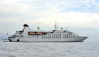 来年大船渡港に寄港することが決まったクルーズ船「スターブリーズ」