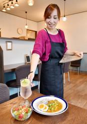 「まだまだ反省の日々だが、『おいしかった』の言葉が一番の励み」とやりがいを語る工藤恵美子さん