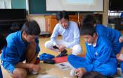 地元紙から考える地域課題 盛岡の中学生、解決方法探る