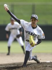今夏の岩手大会で注目された大船渡の佐々木朗希投手=7月、県営野球場