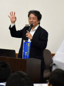先端科学の意義学ぶ 一関高専で東京大・山下特任教授が講演