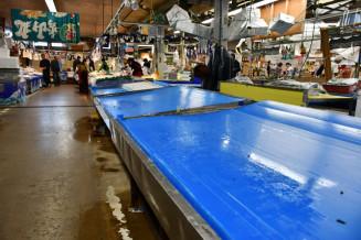 台風19号の影響で沿岸の業者が来られず、陳列商品が薄くなった土・日ジャンボ市