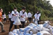 泥かき手伝い被害実感 神奈川の高校生、田野畑でボランティア