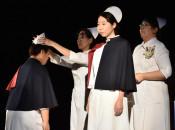 看護の道へ決意新た 盛岡、専門学校で戴帽式