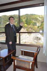 ゲストハウスとして滝観荘の営業を再開し、滝ノ上温泉の再興を目指す岩岡重樹さん