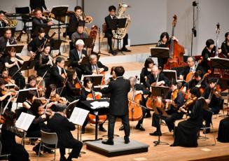 抑揚をつけた力強い演奏で魅了する北上フィルハーモニー管弦楽団