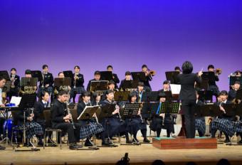 息の合った演奏を披露する3中学校の吹奏楽部