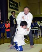 豊かな「共生」工夫一つ 北京パラ柔道出場・初瀬さん授業