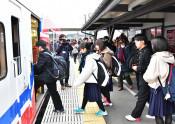 台風から1カ月半ぶりに再開 三鉄・津軽石-宮古