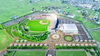 盛岡南公園に整備する新野球場のイメージ図。中央右の白い屋根は屋内練習場、その下はキッズスタジアム(清水建設グループ提供)