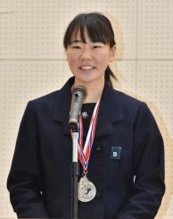 「メダルを持ち帰る」とユース五輪の抱負を述べる吉田雪乃(盛岡工高)