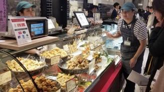 東京・渋谷にオープンしたオヤマの唐揚げ専門店(同社提供)