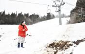 県内少雪で冬景色異変 スキー場営業遅れ、ゴルフ場は利用増