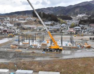 【2020年2月17日】 高田小跡地に新しい市庁舎の建設が進む