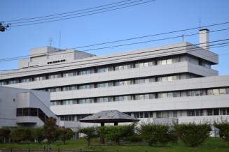 看護師離職が続く県立遠野病院=遠野市松崎町