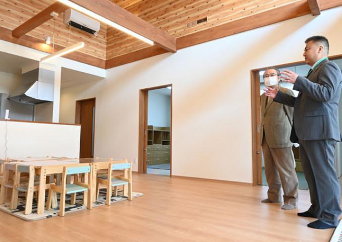 完成したグループホーム。木材を多用し、開放感がある