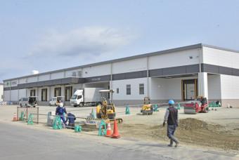 4月10日の稼働に向け準備が進められている豚処理加工施設