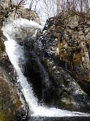 七折れの滝(花巻市大迫町)=3月30日