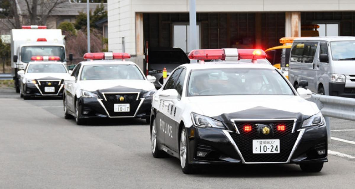 空と陸からあおり運転警戒 東北道、県警ヘリでもパトロール   岩手日報 ...