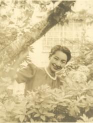 広島で被爆し、短い生涯を閉じた園井恵子(宝塚市立中央図書館提供)