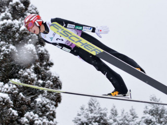全国高校スキー男子ジャンプで準優勝を果たした小林龍尚。3年時はジャンプに専念し、高みを目指した=2019年2月9日、秋田県鹿角市・花輪スキー場