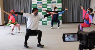 短時間の動画で多彩な運動が楽しめる「レッツ!ぺっこトレ!!」の撮影
