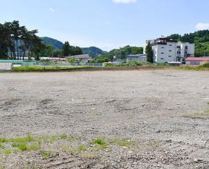 新たな温泉施設「カダルテラス金田一」の建設予定地。当初計画よりも事業費が膨らんだ