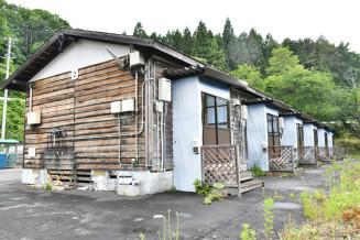 国民宿舎えぼし荘近くにある応急仮設住宅。一部を保存し、震災教育に役立てる