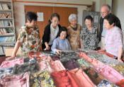 日本文化 海越え高齢者に元気 着物生地の巾着作りドイツへ