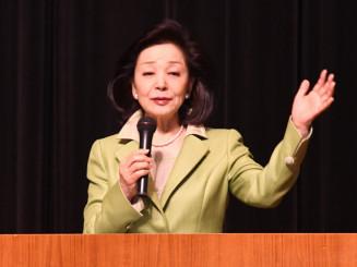 国際情勢などについて解説する桜井よしこさん