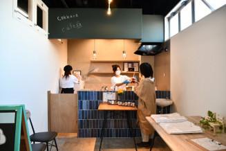 1日単位で借りられる「cokkara cafe」の店内。女性や若者の起業を後押しする