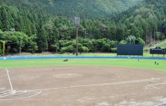 工事を終え、利用を再開する平田公園野球場