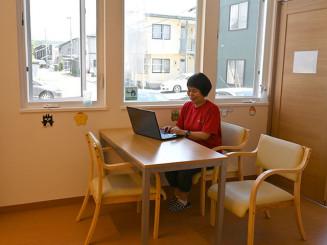 通信制高校のカリキュラムやビジネススキルも学べるサービスを提供する「おおぞら村」。8月に専用スペースを設ける=盛岡市津志田西