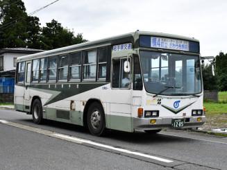 北上市と西和賀町を結ぶ県交通北上線の路線バス。9月末の廃止方針を受け、対策が検討される