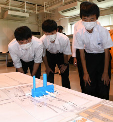 ILCの地下施設を立体化した模型