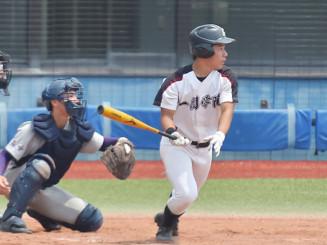 3安打4打点と活躍した一関学院の瀬川颯太=宮城県・石巻市民球場
