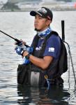 釣りのプロ仲間入り 大船渡・岩渕さん、ルアー会社と契約