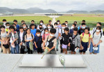 犠牲者思う 学びの旅 震災9年半、一戸小が陸前高田で献花