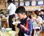 地元サンマ いただきます 大船渡市内小中学校で給食提供